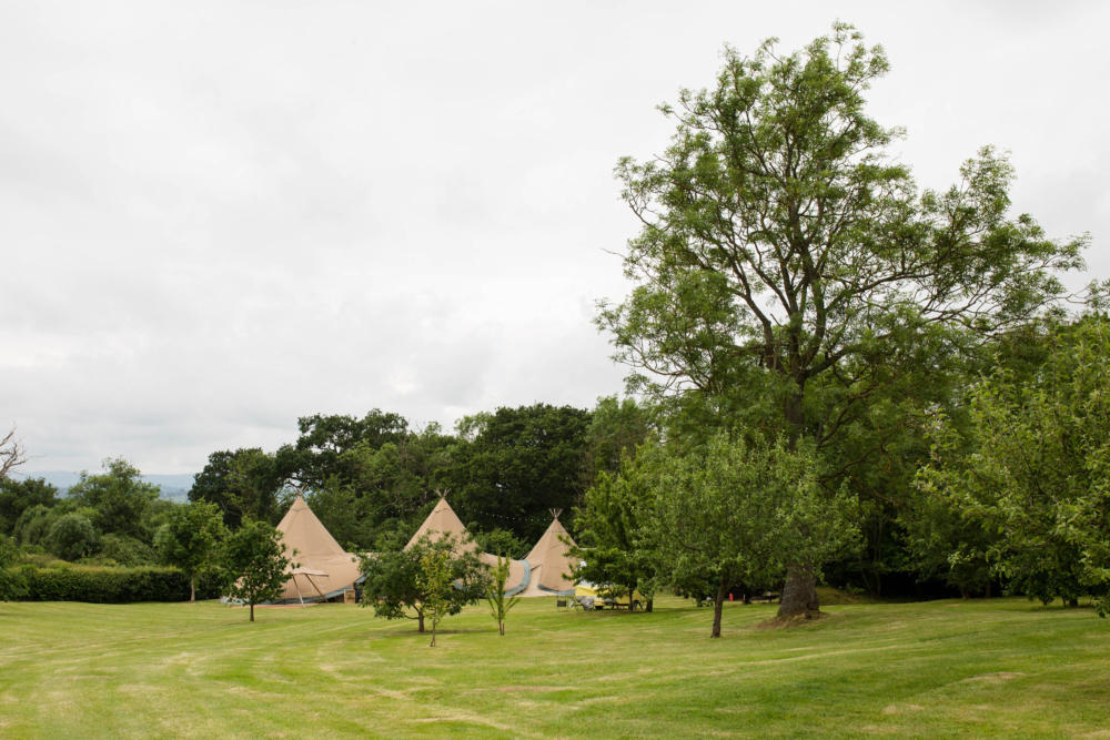 Shropshire Tipi Wedding – Georgina & Matt