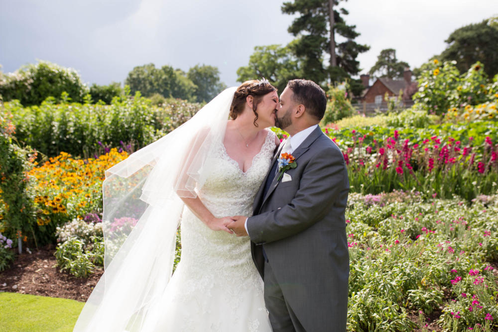 Goldstone Hall Hotel – Laura & Pete