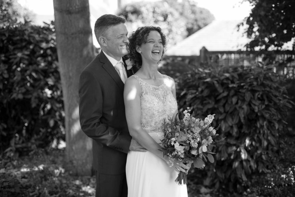 Bridgnorth Castle Garden Wedding – Rachel & John